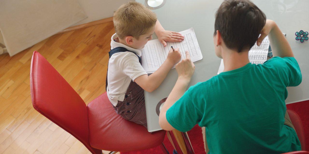 Qui a eu cette idée folle… d'inventer les devoirs !?